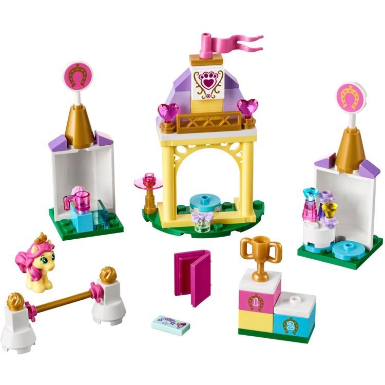 lego disney princess sets 41144 petite 39 s royal stable new. Black Bedroom Furniture Sets. Home Design Ideas