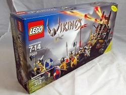 LEGO Vikings Sets: 7020 Army of Vikings with Heavy Artillery Wagon NEW