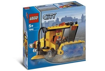 LEGO Town Sets: City 7242 Street Sweeper NEW