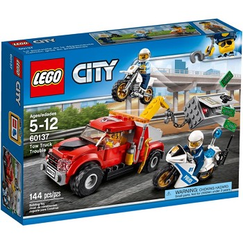 LEGO Town Sets: City 60137 Tow Truck Trouble NEW